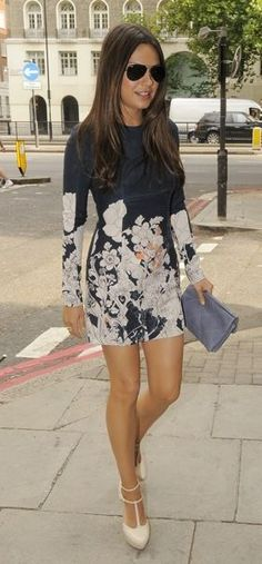 mila kunis celebrity style: Mila Kunis in a floral dress Mila Kunis Style, Mila Kunis Hair Color, Estilo Fashion, Look Fashion, Style Olivia Palermo, Fashion Vestidos, Celebs, Celebrities, Look Chic