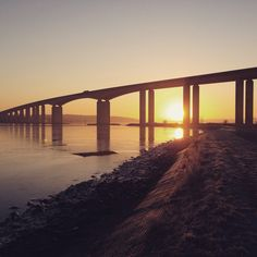 Orwell bridge New Year's Eve sunrise! Sunrises, New Years Eve, Bridge, Awesome, Pictures, Breaking Dawn, Photos, Resim, Bro