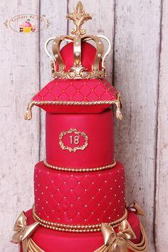 Tort majorat cu coroana princiara pentru Caty