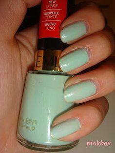 Pinkbox Makeup: New Love ♥ Green Nail Polish + Chanel Jade dupe?
