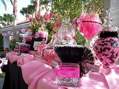 Looking for a container like the top right with the hot pink candy in it...