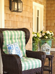 C.B.I.D. HOME DECOR and DESIGN: CARVING OUT A LITTLE GARDEN SPOT (AND A KITCHEN QUESTION)
