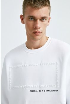 white emboss sweatshirt New Outfits, Kids Outfits, Cool Shirt Designs, Latest Mens Fashion, Polo T Shirts, White Long Sleeve, Slogan, Printed Shirts, Graphic Tees