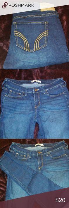 Hollister jeans Dark wash skimpy leg/stretchy  (no stains) Hollister Jeans Skinny
