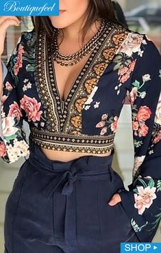 Sexy V-Neck Open Back Bell Sleeve Floral Printed Casual Blouse Women Long Sleeve Short Blouse Tops Streetwear Look Fashion, Indian Fashion, Fashion Women, Fall Fashion, Fashion Trends, Fashion 2017, Street Fashion, Fashion Online, High Fashion