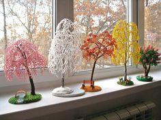 Елена Авраменко создает цветы и деревья из бисера, максимально похожие на оригинал. Wire Crafts, Bead Crafts, Macrame Patterns, Beading Patterns, Beaded Banners, Wire Trees, Artificial Tree, Beads And Wire, Wire Art