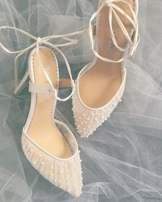 Pleated Tulle and Pearls Ivory Wedding Shoe Tulle and Pearl Ivory Valentina wedding heels by Bella Belle Shoes perfect for a ballerina princess bride. Wedding Pumps, Wedding Boots, Wedding Shoes Heels, Bride Shoes, Ivory Wedding, Elegant Wedding, Tulle Wedding, Sandals Wedding, Bridal Heels