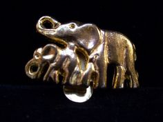 Elephant Family Animal Lovers  Jewelry  Vintage Pin in Goldtone