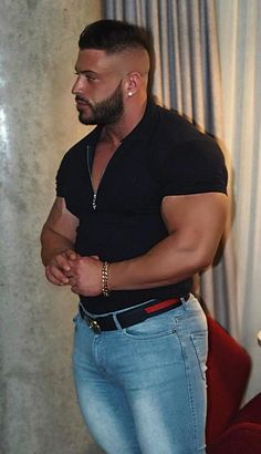 Muscle Bear Men, Muscle Men, Beefy Men, Tights Outfit, Smart Casual, Mens Clothing Styles, New Fashion, High Fashion, Beautiful Men