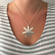 Handmade Sterling Silver Daisy Necklace with Cubic Zirconia stone