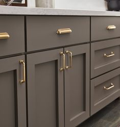 Kitchen Style, kitchen cabinets, kitchen organization, kitchen organizations and of course. The kitchen is the center of the home, so it's important to have a space you love! These pins are my favorite kitchens and kitchen ideas. Küchen Design, Home Design, Layout Design, Design Styles, Design Ideas, Design Concepts, Design Inspiration, Design Trends, Classic Kitchen