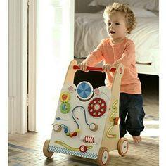 Зауре Джундубаева Деревянный толокар подарит ребенку массу приятных впечатлений, и к тому же полезен для развития моторики.