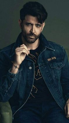 Bollywood Actors, Bollywood Celebrities, Hrithik Roshan Hairstyle, Indian Bodybuilder, Indian Boy, Love Jeans, Hot Guys, Hot Men, Indian Bollywood