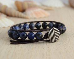 Beaded unisex blue bracelet. Single wrap mens by SinonaDesign, €23.00