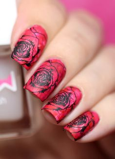 de briz: Music Polish Festival and UberChic Beauty Collection 5. Rose are red…