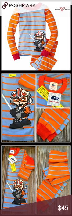 ⭐️⭐️ STAR WARS Pajama Set 💟NEW WITH TAGS💟  STAR WARS Pajama Set (Boys Size 10)  * Super soft & comfy  * 2 piece set  * 100% organic cotton  * Long sleeves  * Front graphic print   * Elastic waist pants & jogger cuff   Material: 60% cotton & 40% polyester Color: Grey Item# Search words # Luke Skywalker lightsaber  🚫No Trades🚫 ✅ Offers Considered*✅ *Please use the blue 'offer' button to submit an offer. Pajamas Pajama Sets