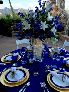 royalblue / gold wedding - New Site Royal Blue Wedding Decorations, Blue Wedding Centerpieces, Quince Decorations, Wedding Colors, Wedding Themes, Quince Centerpieces, Wedding Flowers, Wedding Ideas, Wedding Pictures