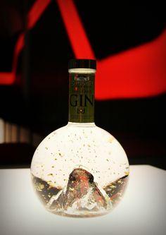 Gold snowing matterhorn gin