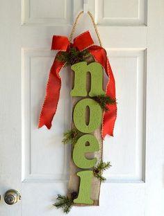 Noel Hanging Door Sign -- 'Tis the season to decorate your front door.  #decoartprojects