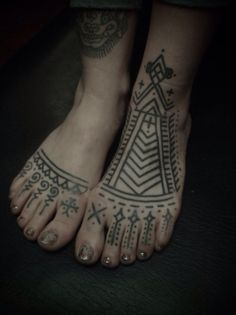 Guy le tatooer feet