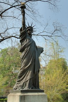 DONE: See Paris Version of the Statue of Liberty. ~ As a young student, I was fascinated to learn that France had a Statue of Liberty too. I saw this replica in the Jardin du Luxembourg. Paris Hidden Gems, New York Statue, Liberty New York, Liberty Island, Luxembourg Gardens, New York Harbor, France Travel, Oh The Places You'll Go, Dream Big