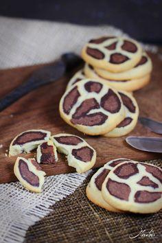 Leoparden Kekse / Malus Köstlichkeiten Tea Cookies, Galletas Cookies, Biscuit Cookies, Biscuit Recipe, Cupcake Cookies, Cooking Cookies, Sweets Cake, Cookie Designs, Creative Food