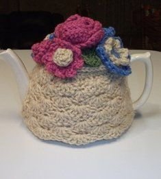 Give your teapot a fun design to spruce up your tea party. Using this free crochet pattern you can have a shell stitch teapot cozy for your next party. Add some flowers for a nice embellishment.