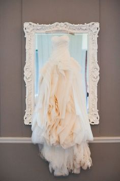 This dress looks beyond fabulous