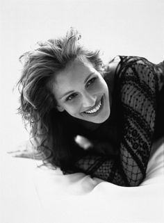 Julia Roberts - Mystic Pizza (1988), Pretty Woman (1990), Sleeping with the Enemy (1991), Everyboddy Says I Love You (1996), My Best Friend's Wedding (1997), Notting Hill (1999), Erin Brokovich...
