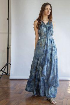 Iara Wisnik, que era da Garoa, está com sua marca própria de peças quase artesanais com tingimento natural - vem ver!