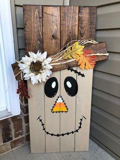herbstdeko garten dekoration Scarecrow And Snowman Hand-Painted Wood Sign Dual Season Fall Wood Crafts, Halloween Wood Crafts, Pallet Crafts, Holiday Crafts, Halloween Decorations, Diy Crafts, Thanksgiving Wood Crafts, Pallet Decorations, Pallet Projects Signs
