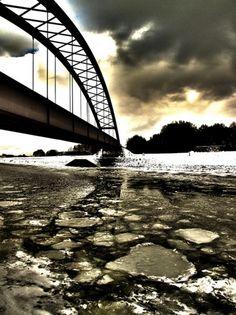 Eisschollen unter Stahlbrücke Sydney Harbour Bridge, Travel, Scrappy Quilts, Plaice, Ice, Steel, Architecture, Homes, Viajes