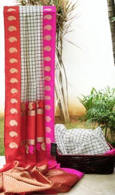 Lakshmi Handwoven Banarasi Kora Silk Sari 000333 - Brands / Lakshmi - Parisera