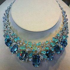 diamond necklace which truly are Beautiful Prom Jewelry, High Jewelry, Gemstone Jewelry, Beaded Jewelry, Jewlery, Gold Fashion, Fashion Jewelry, Ladies Fashion, Vintage Costume Jewelry