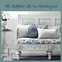El Sabor de lo Antiguo White Houses, White Decor, Blue And White, Love Blue, Blue Yellow, White Bench, White Daybed, Blue Rooms, White Rooms