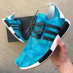 f04e12430a6b Diese benutzerdefinierten handgemalte Schuhe Adidas NMD Sneakers sind. Sie  haben gemalt worden, um einen