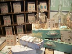 red botique Displays | ... from an amazing boutique with incredible merchandise display ideas