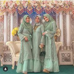 Kebaya Muslim, Muslim Dress, Kebaya Hijab, Unique Dresses, Stylish Dresses, Hijab Dress Party, Saree Dress, Dress Brokat, Hijab Fashion Inspiration