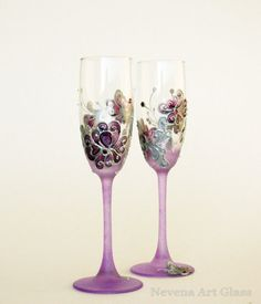 Wedding Glasses, Toasting Glasses, HAND PAINTED, Champagne Glasses,  Personalized glasses, Lavender Purple, Set of 2