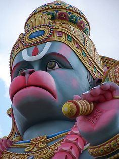 """Attaining the highest, one never feels, """"Oh, I have attained, let me sit back."""" No, the very nature of the highest joy is to share, is to bring it to everyone__Photo: Hanuman"""
