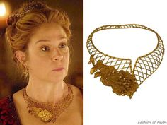 """In the episode 3x08 (""""Our Undoing"""") Queen Catherine wears this Thyreos Vassiliki Floral Mesh Collar Necklace"""