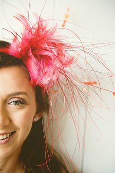 A Quirky Brazilian Wedding Planned in Just Two Months: Juliana & Tomas · Rock n Roll Bride Fascinator Hairstyles, Fascinator Hats, Headpiece, Hair Fascinators, Millinery Hats, Brazilian Wedding, How To Make Fascinators, Carnival Wedding, Second Weddings