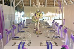 Purple guest table decor| Venue Kukua Punta Cana| Design Begokua| Photo by HDC