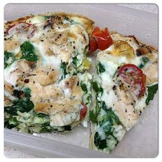 Less than 100 calories per serving and packed with of protein! Low cal, low carb, and high protein healthy breakfast recipe! High Protein Recipes, Healthy Breakfast Recipes, Healthy Cooking, Healthy Snacks, Healthy Eating, Clean Eating, Breakfast Bake, Protein Foods, Veggie Recipes