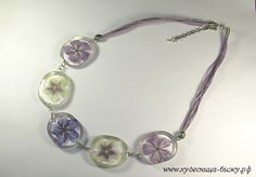 resin & dried flowers necklace