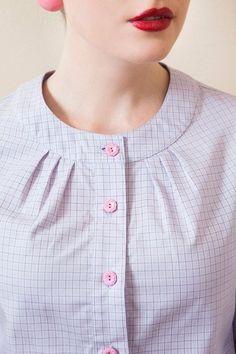 Sylvia - #blusas #camisasmujer #blusa #modelosdeblusas #blusasmujer #blusasdemoda #blusaselegantes #blusasdeseda #blusasdefiesta #blusasdemujer #camisasdemujer #blusasdemoda #camisablancamujer #blusasdevestir #blusasparadama
