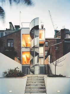 Ian Moore cleverly transformed this home into two apartments, reconfiguring the layout and making the most of unused space. Australian Architecture, Modern Architecture, Ian Moore, Victorian Terrace House, One Step Beyond, Urban Design, Ideal Home, Exterior, House Styles