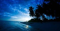 Take a romantic stroll for a sunset on a deserted beach in the Maldives Paradise On Earth, Secret Places, Most Beautiful Beaches, Ocean Life, Virginia Beach, Maldives, The Locals, Perfect Place, Island