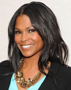 makeup. accessories. love nia long! why don't i look like her?