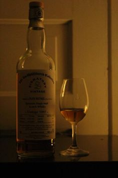 Glenrothes 17 SVUC (Review 43) #scotch #whisky #whiskey #malt #singlemalt #Scotland #cigars